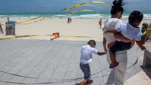 Isaías chega à Flórida mais fraco, mas com ventos fortes e risco de inundações