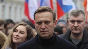 Kremlin comenta situação de Navalny: 'Ele está livre para voltar à Rússia'