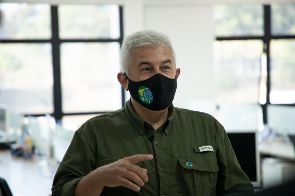 'Pouco me importa a origem da vacina, desde que funcione', diz Augusto sobre imunizante brasileiro