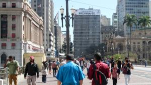 Saúde anuncia plano de R$ 1,5 bi para ampliar unidades de vigilância