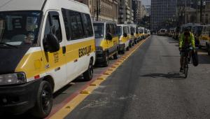 Motoristas de vans e trabalhadores do setor de eventos protestam em São Paulo
