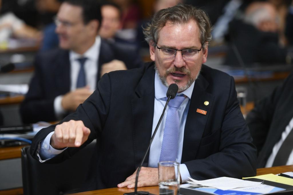 Deputado critica postura de Bolsonaro sobre teto de gastos: 'Quem paga essa conta é o povo' – Jovem Pan