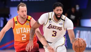NBA: Anthony Davis brilha, Lakers vencem Jazz e garantem liderança no Oeste