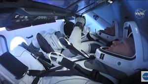Após dois meses em órbita, cápsula da SpaceX retorna à Terra com astronautas
