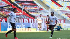 Na estreia de Torrent, Flamengo perde para o Atlético-MG no Maracanã