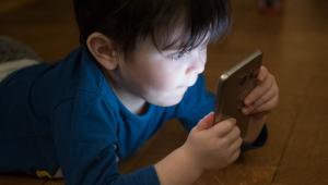 Babá virtual se torna alternativa para ajudar pais durante a pandemia