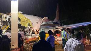 Confira fotos e vídeos do acidente aéreo na Índia