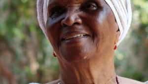 Morre no Rio a atriz Chica Xavier, de 'Sinhá Moça' e 'Renascer', aos 88 anos