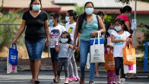 Imunidade de rebanho contra Covid-19 só deve chegar com vacina, diz infectologista