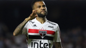 Sincero, Daniel Alves questiona bastidores e alfineta marketing do São Paulo