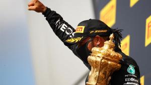 Mesmo com pneu furado, Hamilton vence GP da Inglaterra