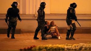Mais de 2 mil pessoas são presas em segundo dia de protestos contra eleição presidencial em Belarus