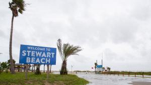 EUA: Furacão Laura chega à Louisiana com ventos de 240 km/h; autoridades emitem alerta