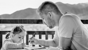 Com isolamento, pais e filhos se aproximam e vivem 'hiperconvivência', explica psicóloga