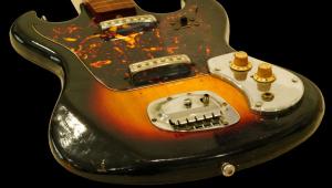 Guitarra clássica de Jimi Hendrix é leiloada por mais de R$ 1 milhão