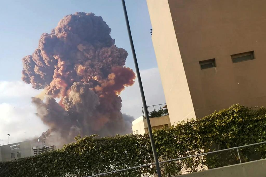 Explosão deixou rastro de destruição em região portuária de Beirute