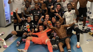 Brasileiro do Lyon conta como livro de finanças ajudou a eliminar a Juventus