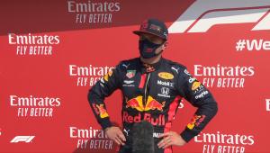 Max Verstappen estraga festa da Mercedes e vence GP dos 70 anos da F1