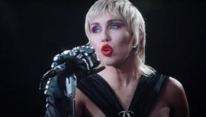 'Midnight Sky': Miley Cyrus está de volta com single empoderado; veja clipe
