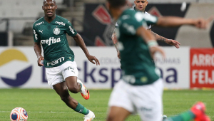 Experiência de Cássio e Fagner contrasta com garotada do Palmeiras em derby decisivo