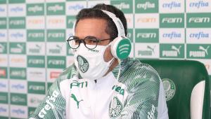 Chamado de 'pior', Luxemburgo responde crítica de Figo: 'Prefiro ficar com a opinião do Rivaldo'