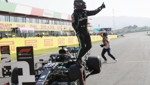 Hamilton supera Bottas na Toscana e crava pole position