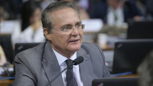 Renan Calheiros, Homem de óculos discursa em sessão do Senado