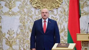 Belarus: Lukashenko toma posse para sexto mandato como presidente