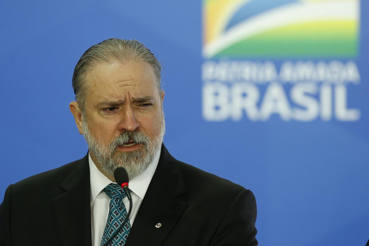 Augusto Aras discursa em cerimônia