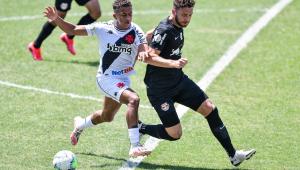 Sob calor de 35ºC, Vasco e Bragantino empatam em São Januário