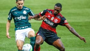 Palmeiras e Flamengo não saem do 1 x 1 em campo após batalha jurídica