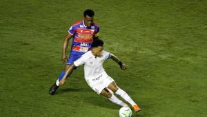 Santos e Fortaleza empatam ecaem na tabela do Brasileirão