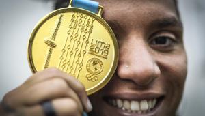Quarentena de maratonista aquática Ana Marcela Cunha teve 'nado no seco'