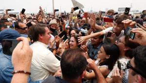 'Vocês não entraram na conversinha mole de 'fica em casa'', diz Bolsonaro no Mato Grosso