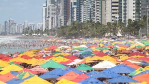A revolta das praias: povo brasileiro lota balneários e declara independência
