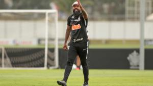 Corinthians anuncia saída de Dyego Coelho como técnico do sub-20