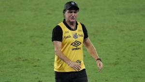Após nova punição da Fifa, Cuca 'libera' reforços já acertados com o Santos