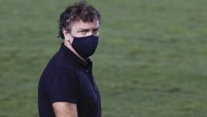 Cuca se anima para 'decisão' do Santos na Libertadores: 'Temos um padrão de jogo'
