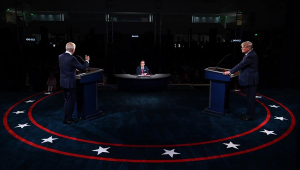 Debate dos EUA tem tom agressivo, acusação de fraude e menção ao Brasil