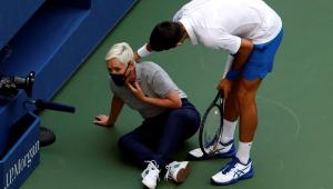 Djokovic é eliminado do US Open após acertar bolada em juíza