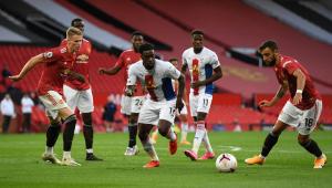 Manchester United estreia na Premier League com vexame em casa