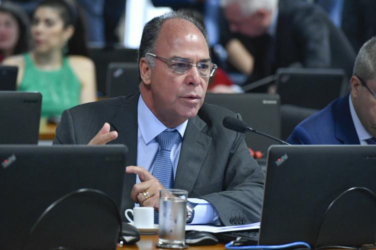 Governo manterá proposta de usar Fundeb e precatórios pra financiar Renda Cidadã, afirma Fernando Bezerra