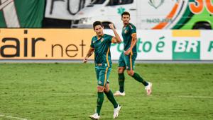 Após um ano sem fazer gols, Ganso marca na goleada do Flu sobre o Coritiba