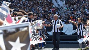Jairzinho se desculpa por comentário machista em transmissão da BotafogoTV