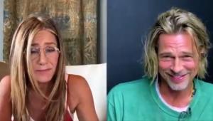Jennifer Aniston e Brad Pitt flertam durante leitura de roteiro; confira