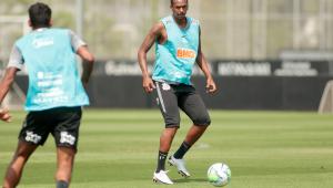 Corinthians apresenta recurso ao STJD para ter Jô contra o Sport