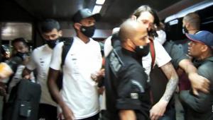 Após ameaças, Corinthians decide desembarcar pela pista em aeroportos