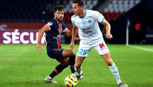 PSG confirma que lateral titular rompeu ligamento do joelho esquerdo