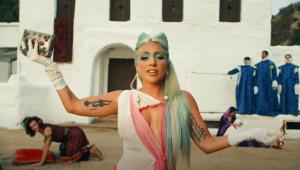 Lady Gaga vive ilusão traumática em clipe de '911'; assista