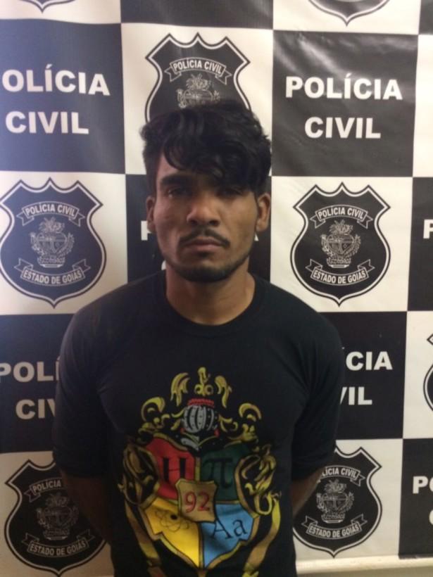 Imagem de Lázaro Barbosa, o 'serial killer do DF', na Polícia Civil